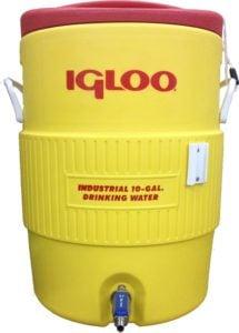 Quick Fit Igloo plastic bucket