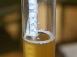Using a hydrometer on beer
