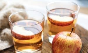 2 glasses of cider