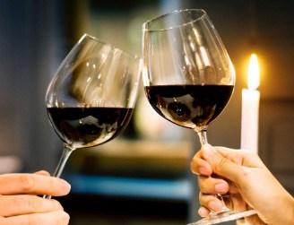 wine being toss
